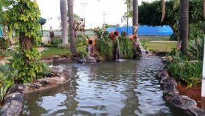 Montar um lago artificial com cascata